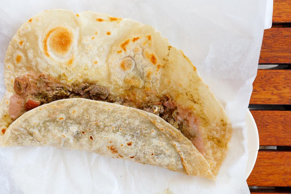Burrito de carne en su jugo (MXP $35)