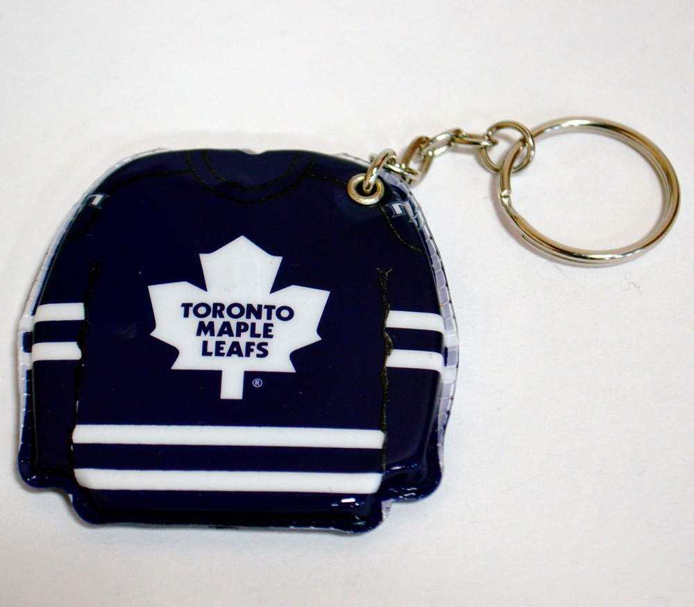 621 Toronto Maple Leafs Lighted Key Chain.jpg