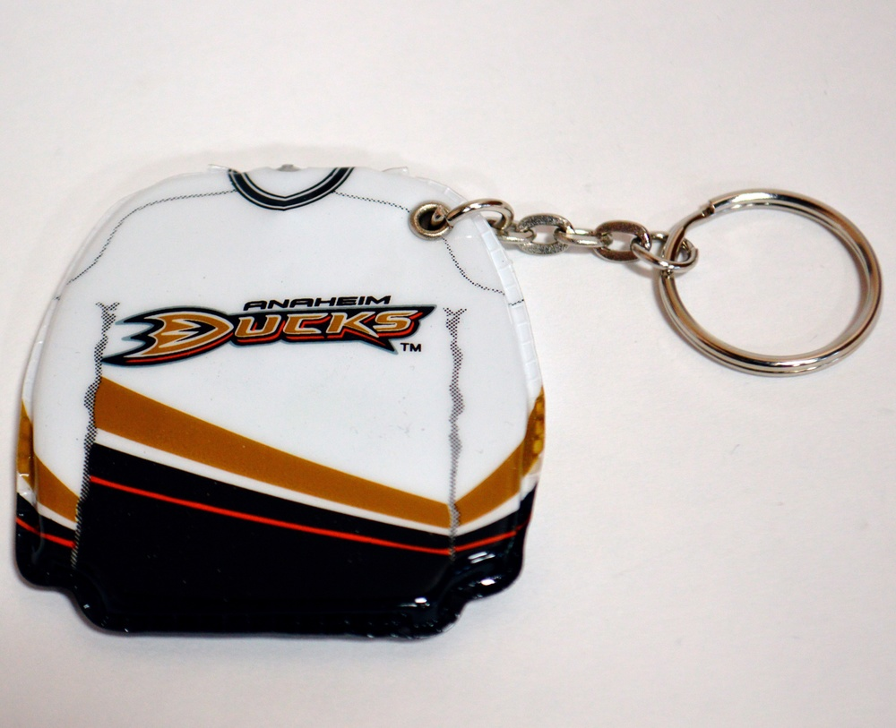 626 Anaheim Mighty Ducks Lighted Key Chain.jpg