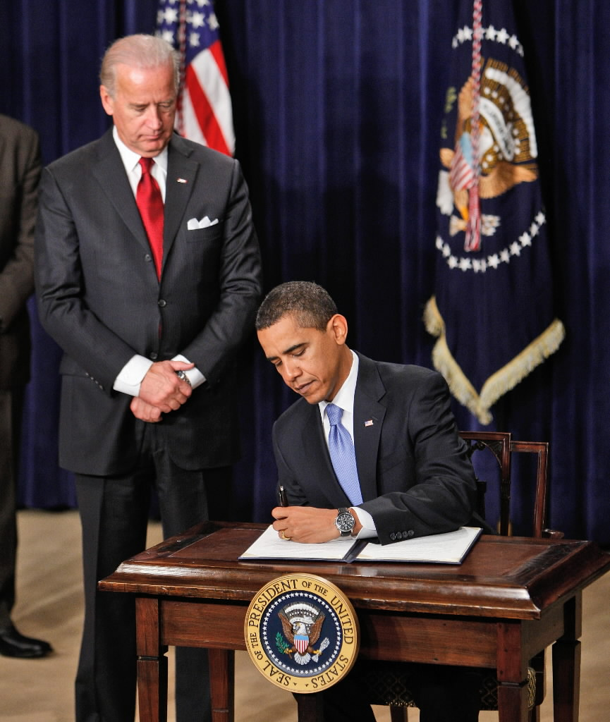 What is executive order 13489?