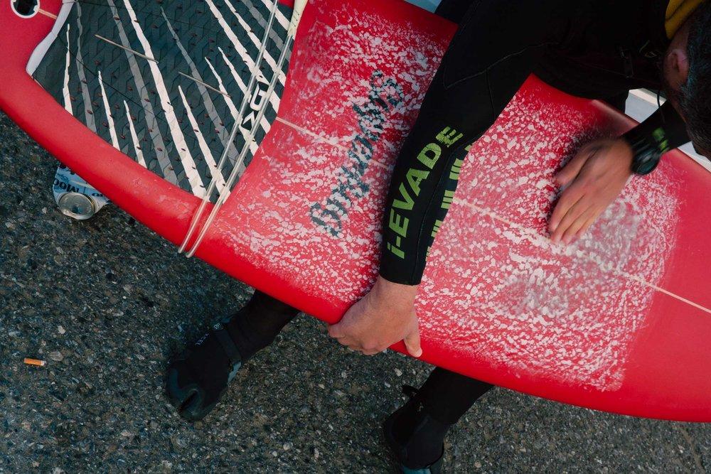 surfboard-wax-OceanBeach-surf.jpg
