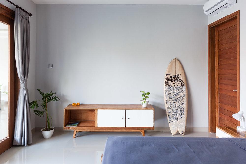 Mubakan-17-bedroom-closet.jpg