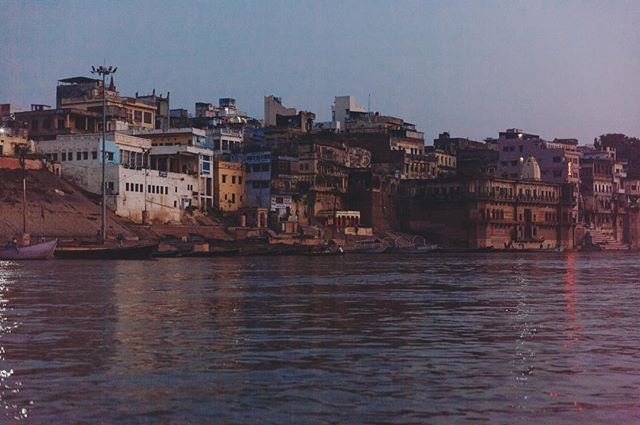 Ganga, the holy river for Hindus 🧘🏻‍♀️