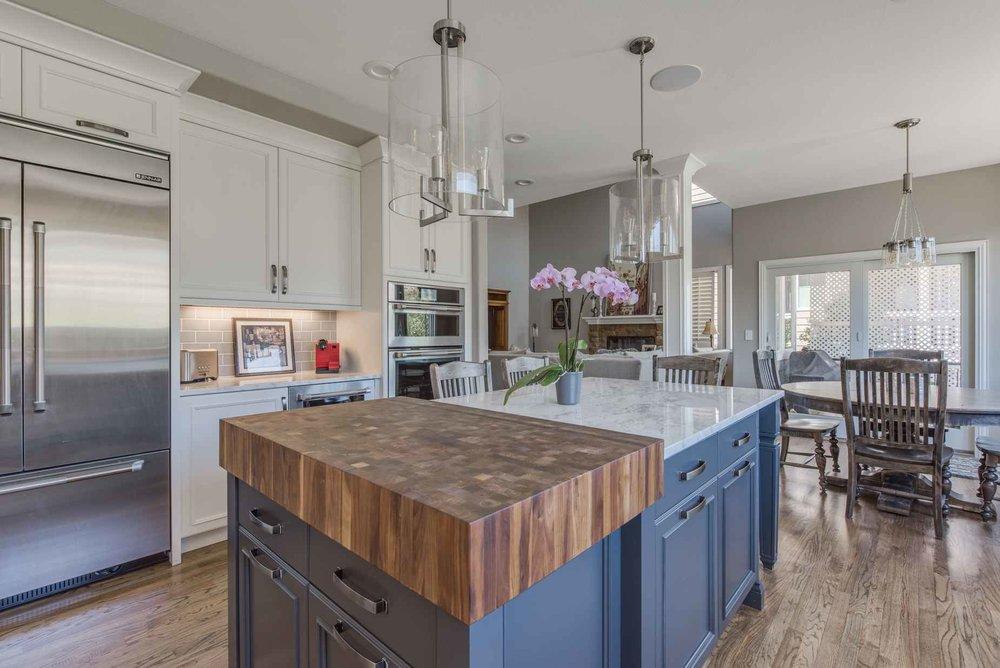classic white — sanctuary kitchen and bath design-4.jpg