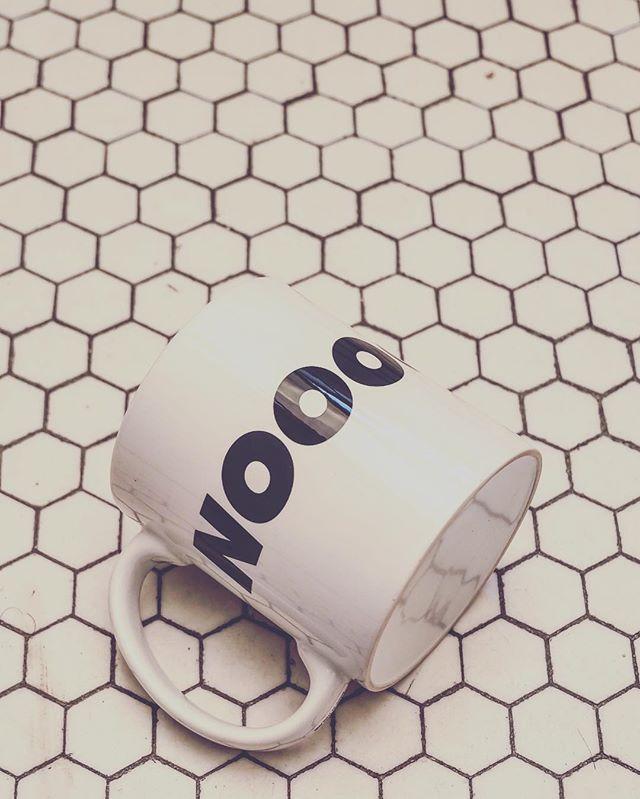 Saying NO feels good. When your mug says NOOOOOOOOOOOO it feels even better. #coffee☕️ #hustle #sideprojects #creativeprocess #brainstorm #bossyasfuck✋💗 #yas #coffeemugs