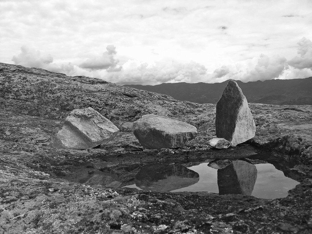 Mis piedras en agua
