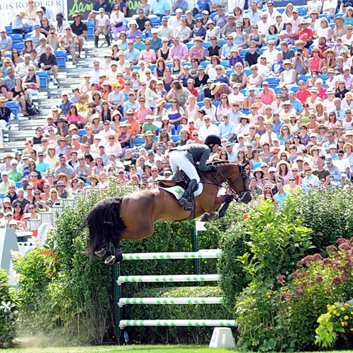 KENT FARRINGTON WINS THE HAMPTON CLASSIC GRAND PRIX SECOND YEAR IN A ROW  Bridgehampton, NY--September 4, 2013--Kent Farrington became the fifth rider in the 38-year history of the Hampton Classic to successfully defend his championship in the Classic's featured event, the $250,000 FTI Consulting Grand Prix and FEI World Cup™ Qualifier. Farrington topped the star-studded field on Zafira. He won the event in 2012 on Voyeur.    READ MORE