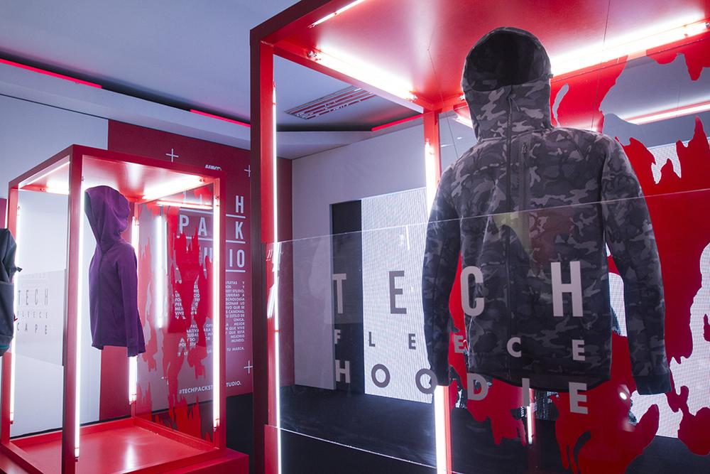 Nike_TechPack060.jpg