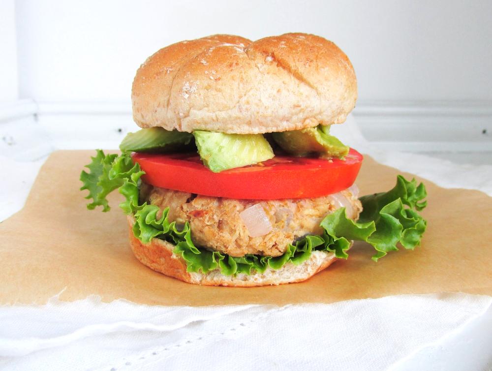 chickpea oat burger2.JPG