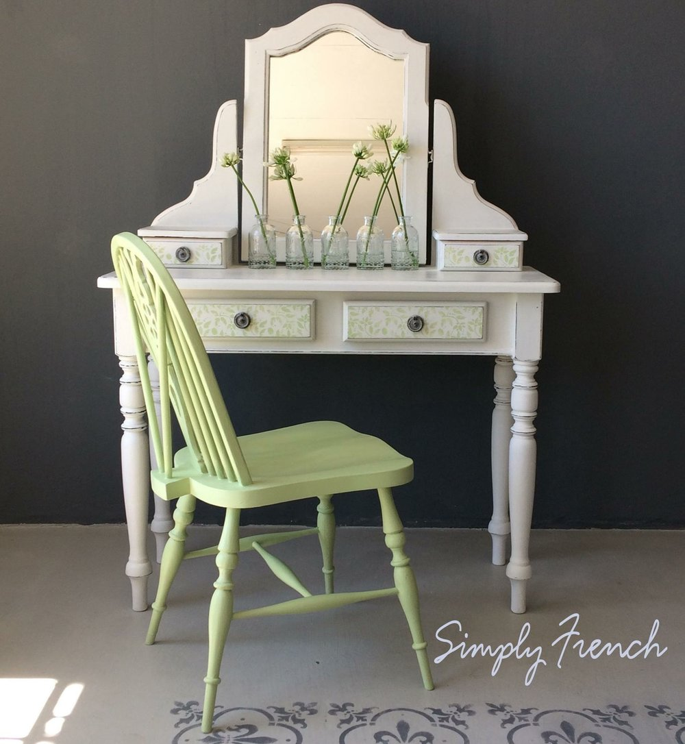 white with lem lem dressing table.JPG