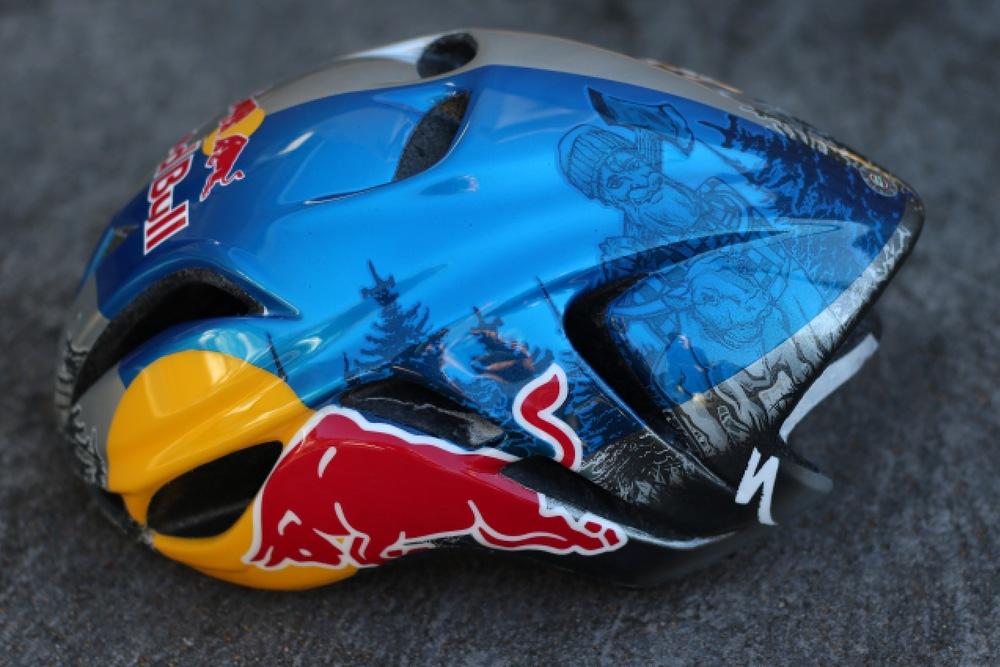 Custom Evade Helmet