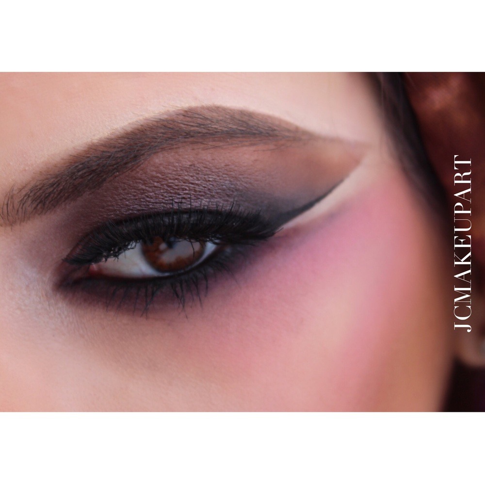 Enchanting multicolored smokey eyes using shades of plums and warm browns over MAC paintpot in Quite Natural and Clinique Chubby Stick for eyes in the shade Lilac.