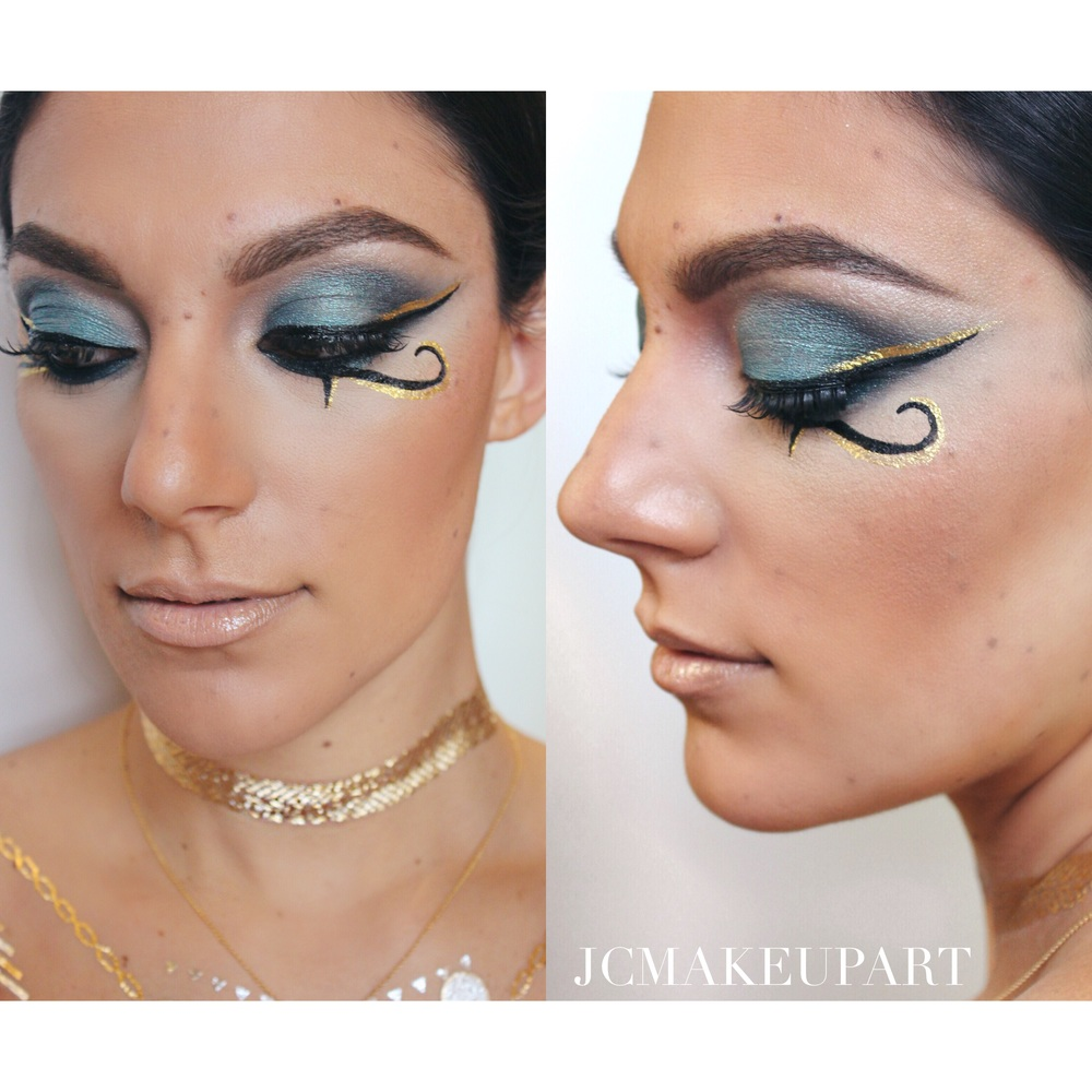 Queen Cleopatra herself - using two shades from Urban Decay's Vice 3 and MAC Carbon eyeshadow. Lined with NYX liquid glitter in Gold and Blavk liquid liner to enhance MAC Fluidline in Blacktrack.