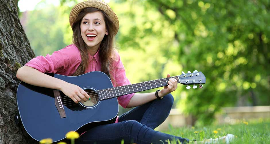 girl-guitar-homepage.jpg