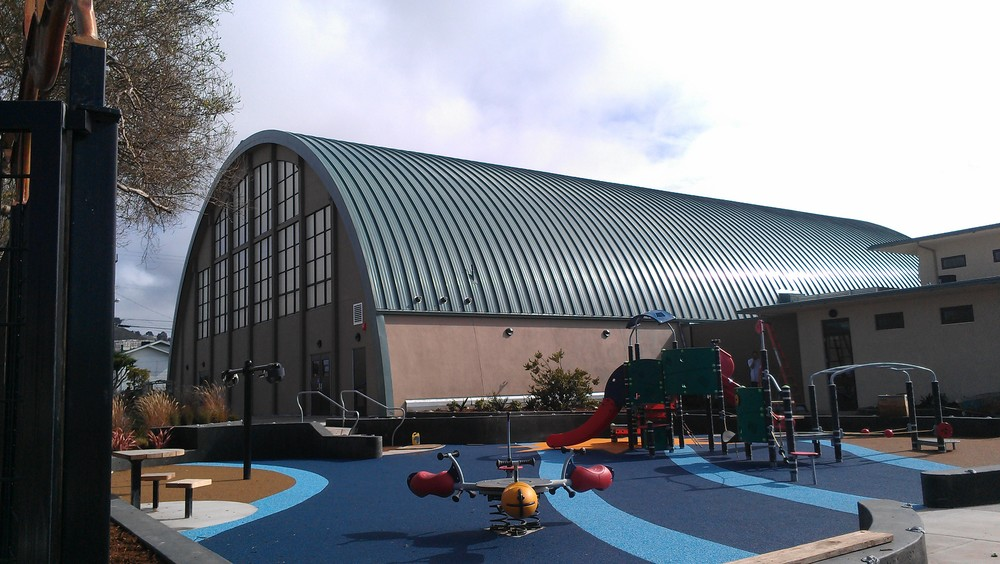 Opened in 1940, the Sunset Recreation Center is a community hub offering sports and fitness facilities, a playground and recreational activities for residents.