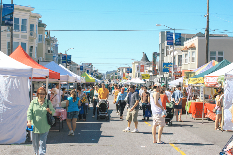 Neighbors come out to the Clement Street Farmers Market every Sunday morning to stock up on fresh local produce, organic meats, and other goodies.