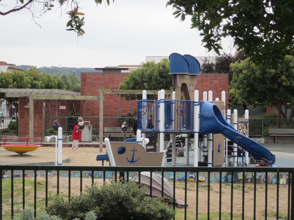 A great spot for families, Moscone Playground features play structures, sports fields and a recreation center that hosts classes and camps for kids.