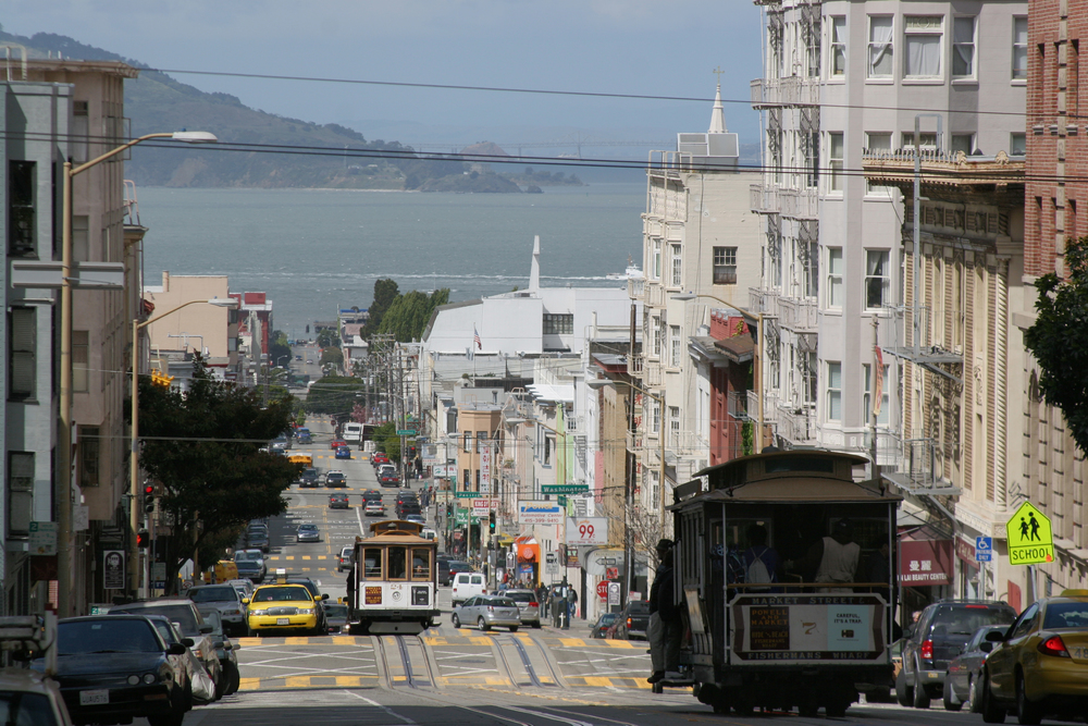 Cable cars are a common sight in Nob Hill.