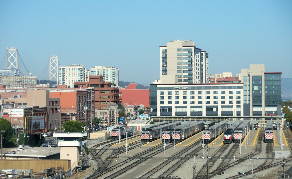 Mission Bay is easily accessible by Caltrain, which operates a commuter rail service between San Francisco, San Mateo and Santa Clara counties.