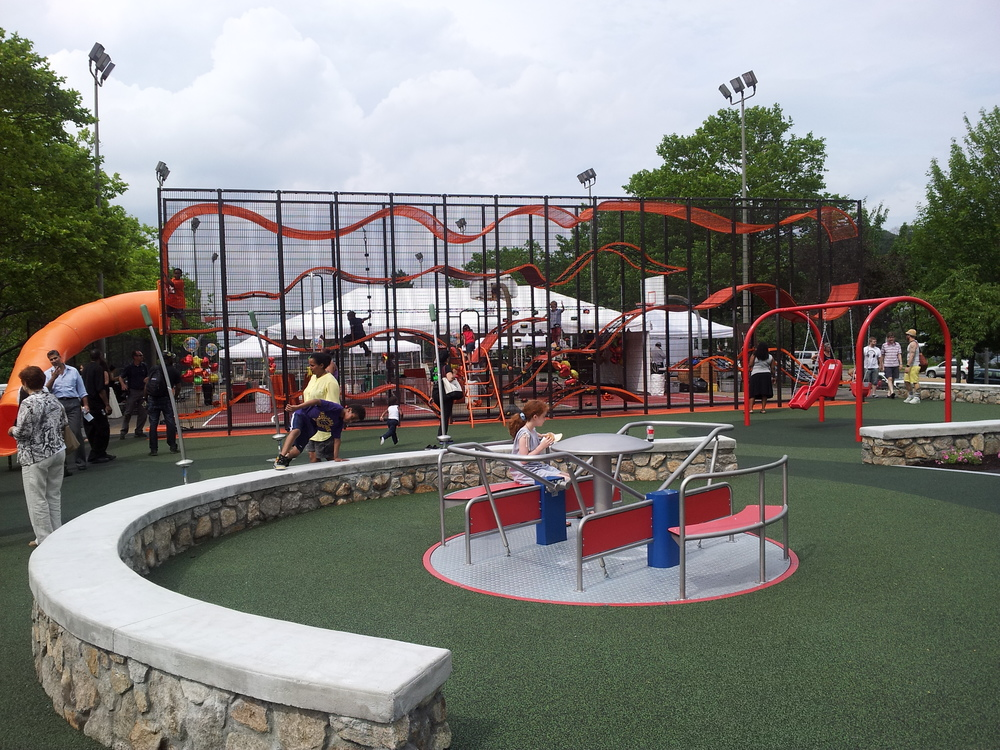 Jackson Playground has baseball fields, indoor and outdoor basketball courts, and children's play structures.