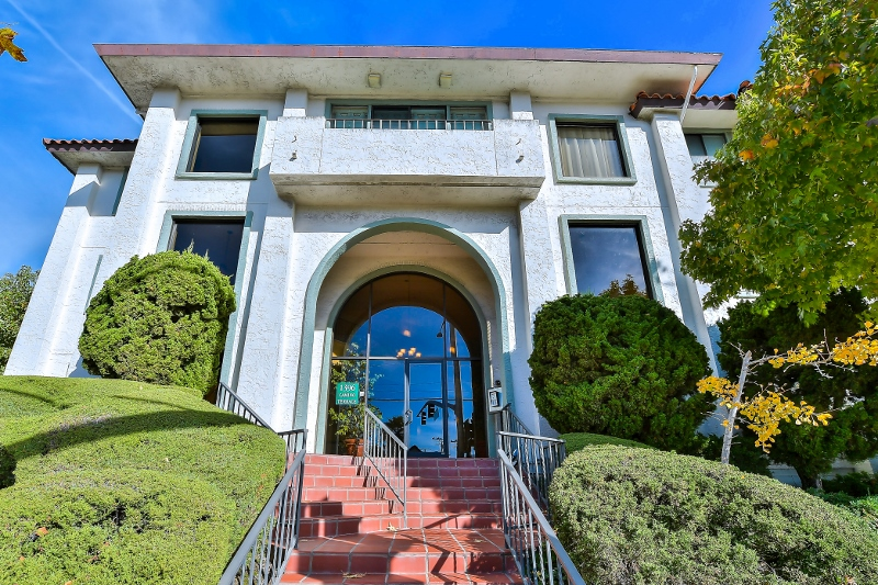 1396 El Camino Real #110, Millbrae<strong>offered at $649,000</strong>