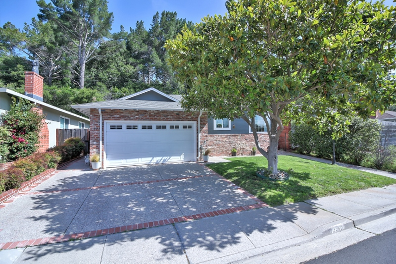 Sold at $1,355,000<strong>2380 Princeton Drive, San Bruno</strong>