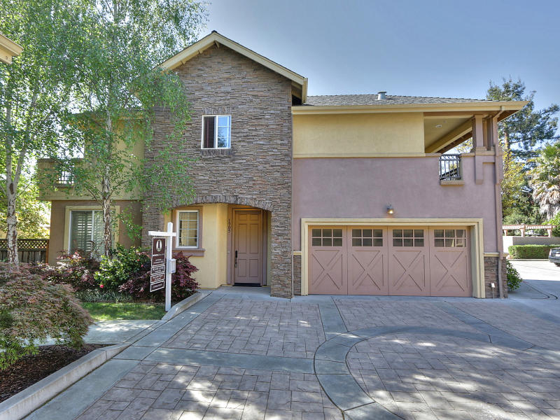 Sold at $1,383,687<strong>1905 Vida Court, Mountain View</strong>