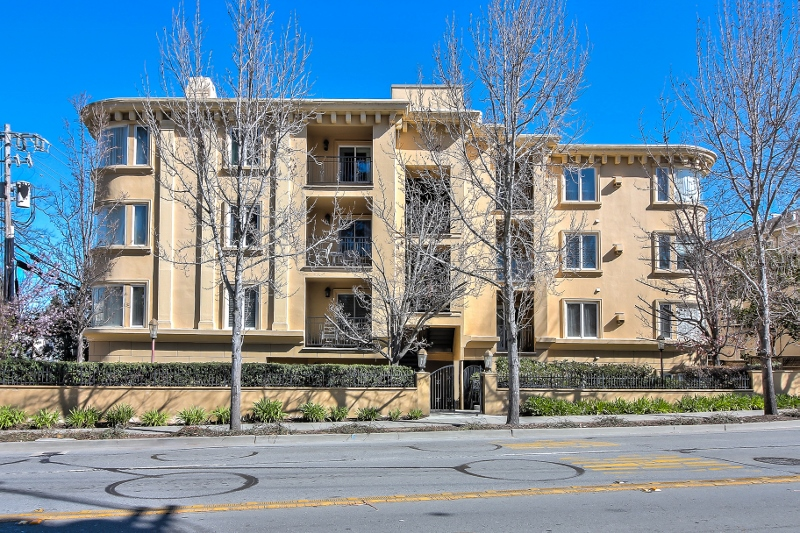 Sold at $1,225,000<strong>1499 Oak Grove Ave #202, Burlingame</strong>