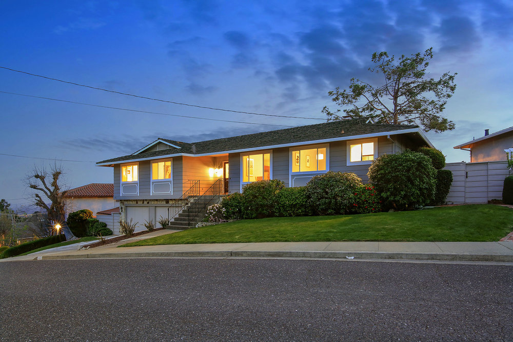Sold at $2,445,000<strong>3329 Melendy Drive, San Carlos</strong>
