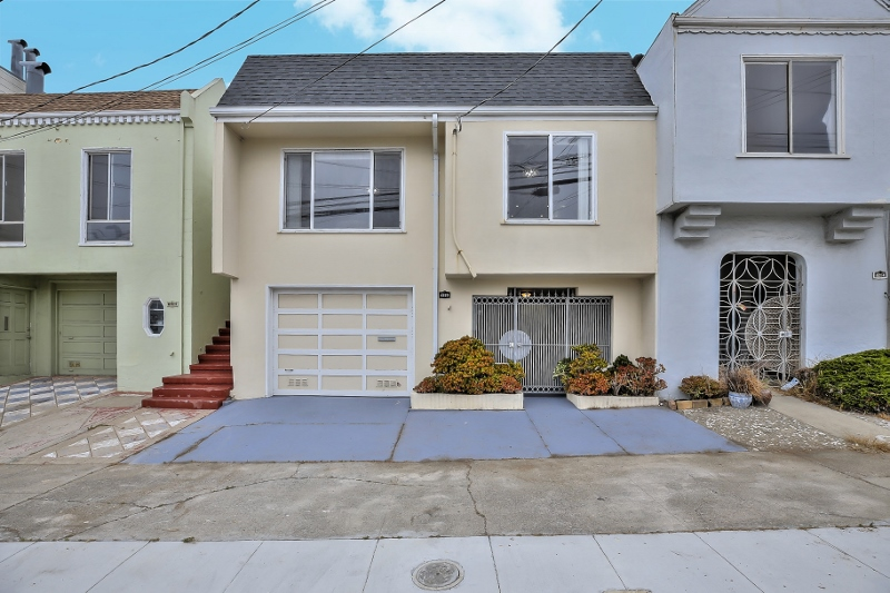 Sold at 1,442,000<strong>4220 Irving Street, San Francisco</strong>