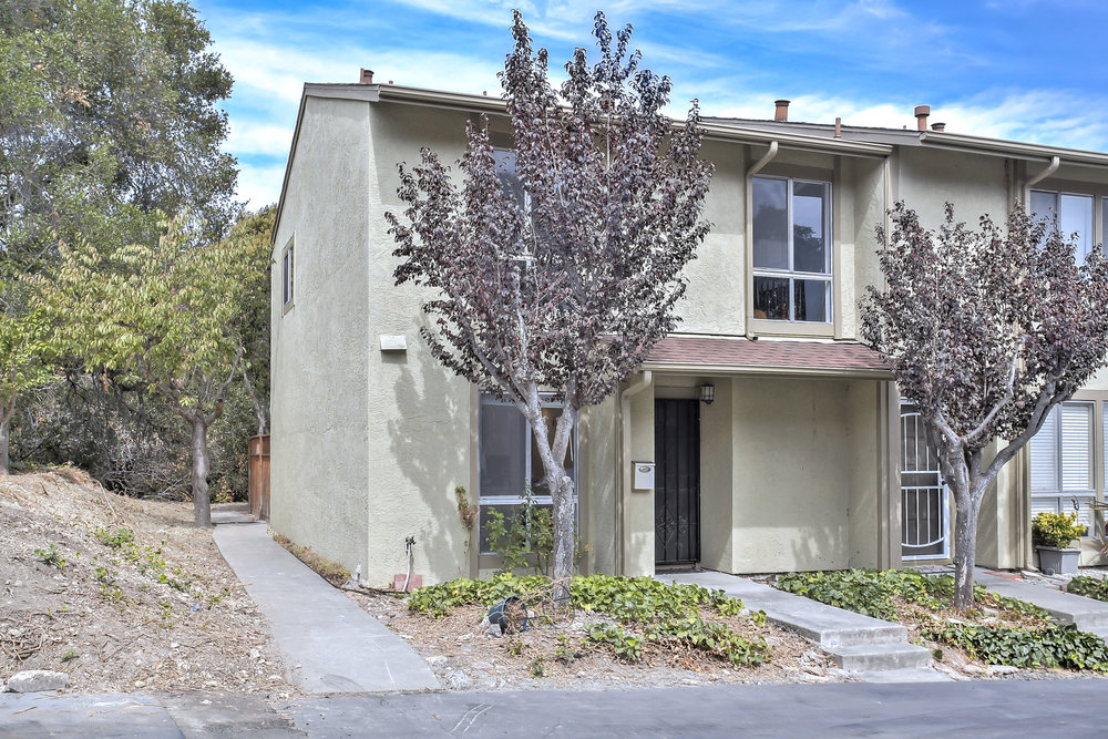 1880 Tesoro Court, Pinole<strong>offered at $425,000</strong>
