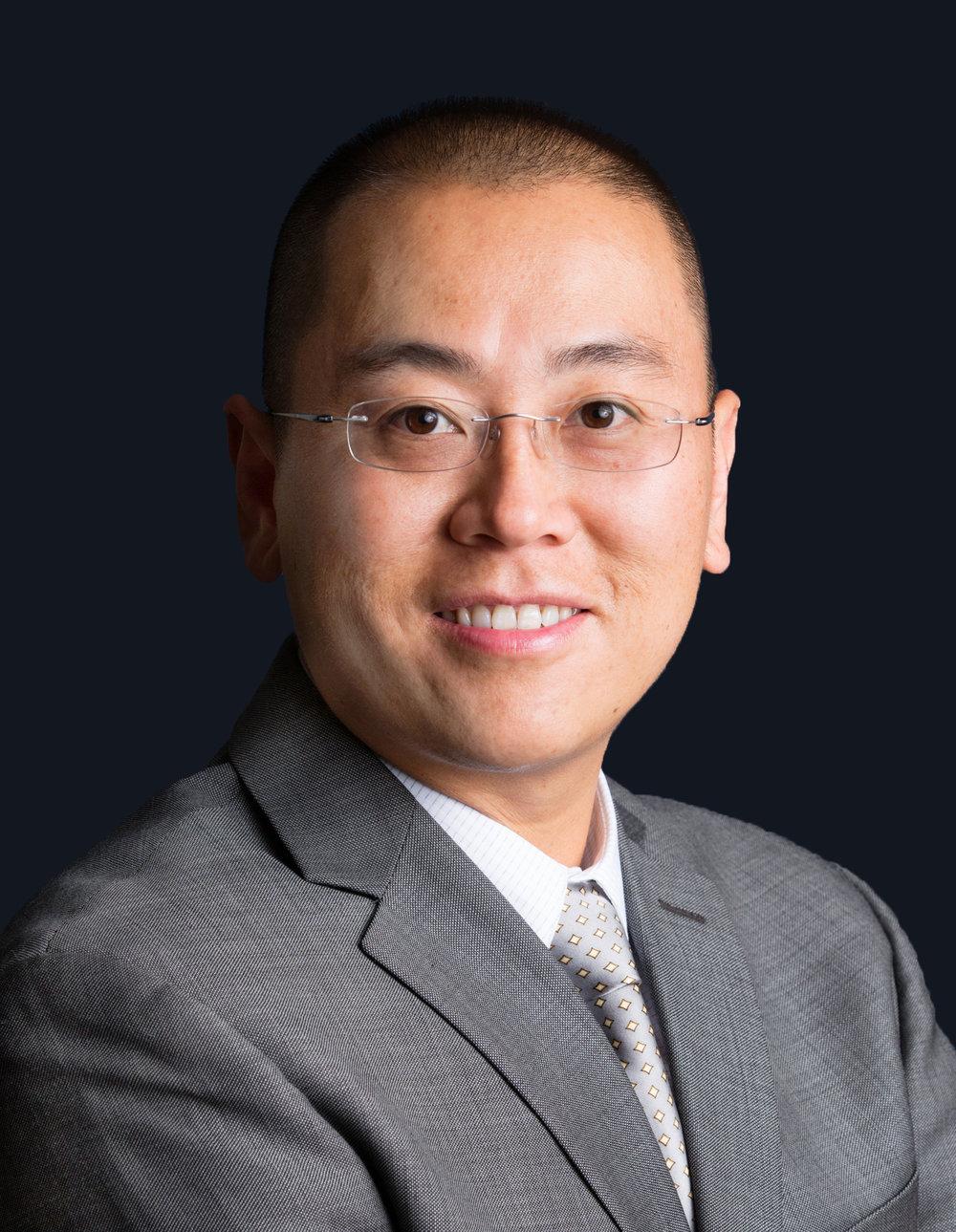 Robert Tao - Headshot (Updated).jpg