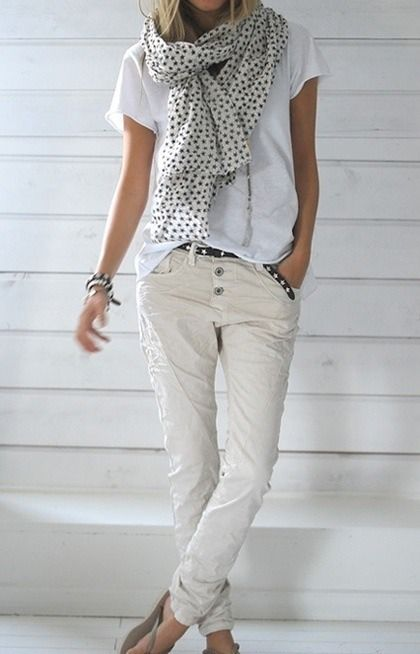 Casual dressing can easily be chic and stylish. Looking drab and sloppy is completely avoidable.