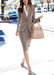 Work with the top personal stylists in LA and Denver to achieve your best professional looks.