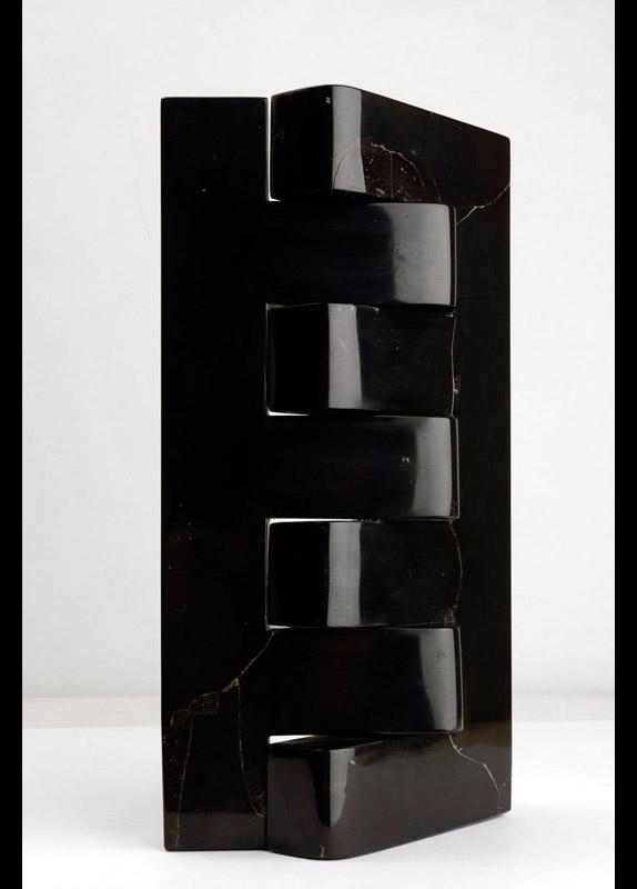 Incastro nero, 1976/77 marmo nero del Belgio, 50x27x14 cm
