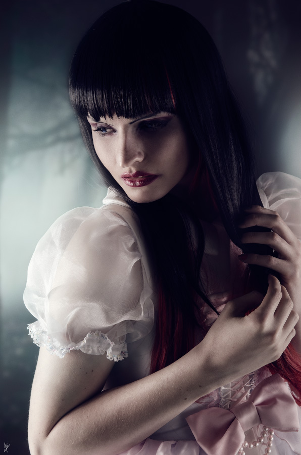 Alice-artamis-(720-of-854)-Headshot.jpg