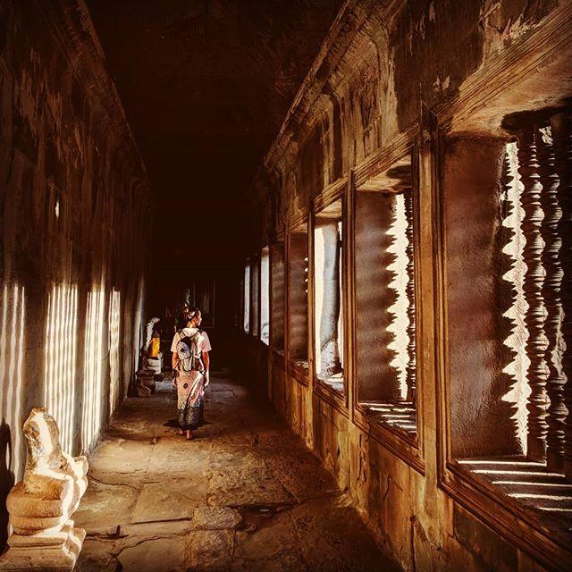 Angkor what? 🇰🇭🏯 . . . . . . . #asia #cambodia #cambodia🇰🇭 #angkorwat #temple #siemreap #sunlight #sunset #teampixel #shotbypixel #steveetgeenasie #quebecoisenvoyage