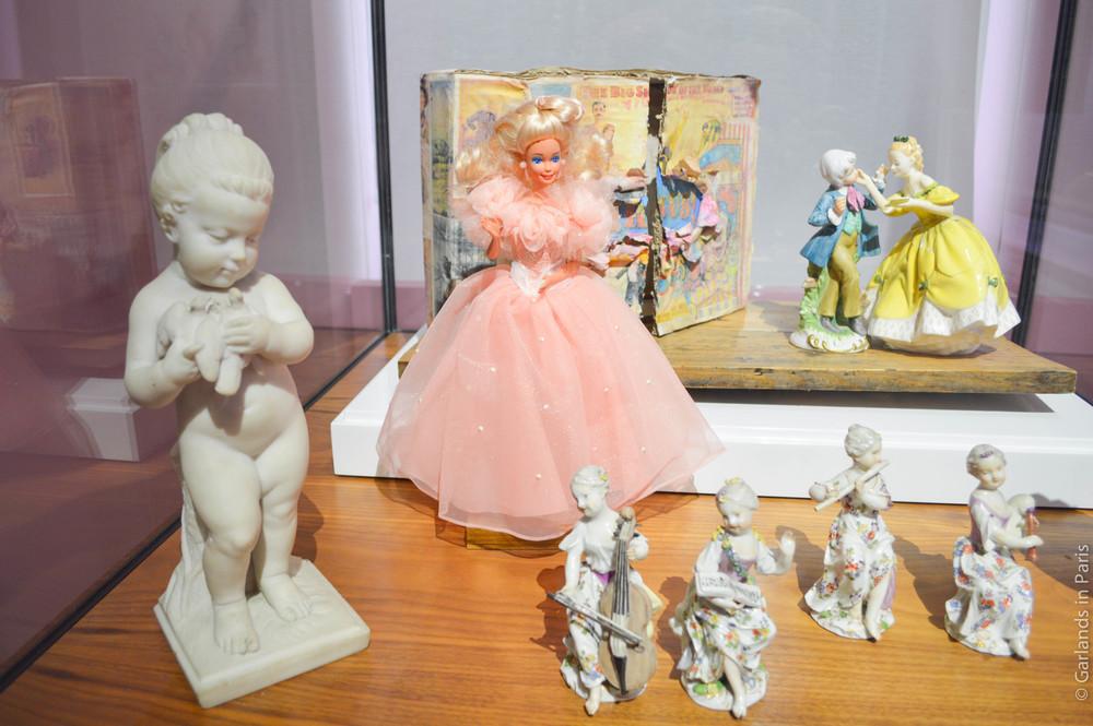 Lumières : carte blanche à Christian Lacroix, Barbie