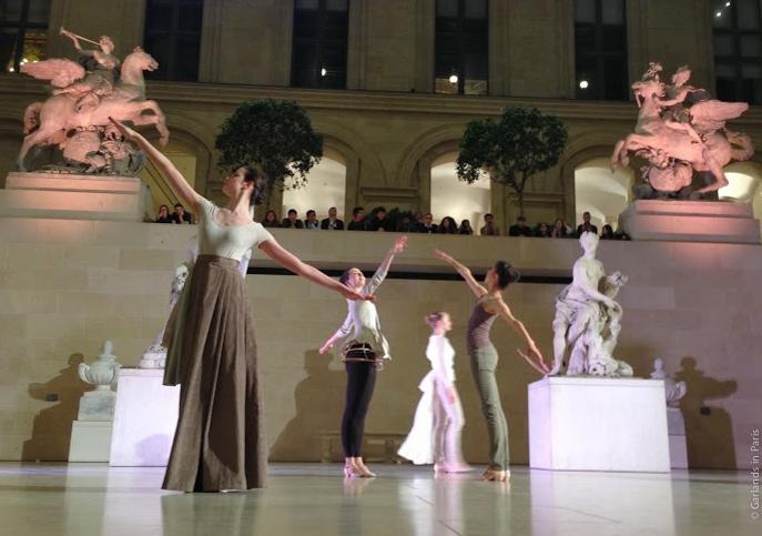 Cour Marly, Musée du Louvre, Paris, Dance