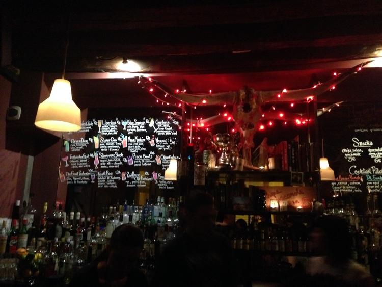 Red House, Paris, Cocktail bar