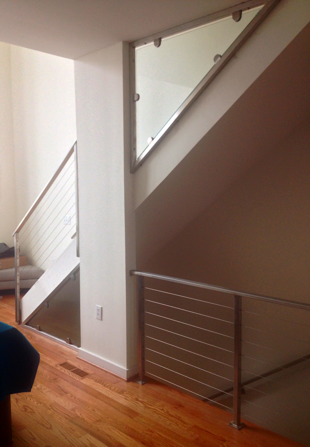 """Hudson"" Stainless Cable and Glass Railing"