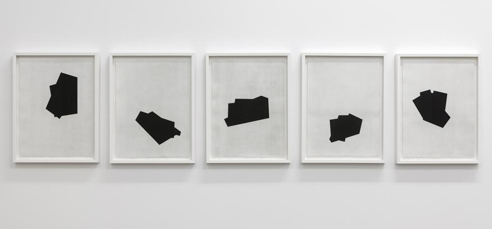 Figure semblable # 10 à 14, eaux-fortes et aquatintes sur papier BFK rives, 2012, 38cm x 50cm (chacune)