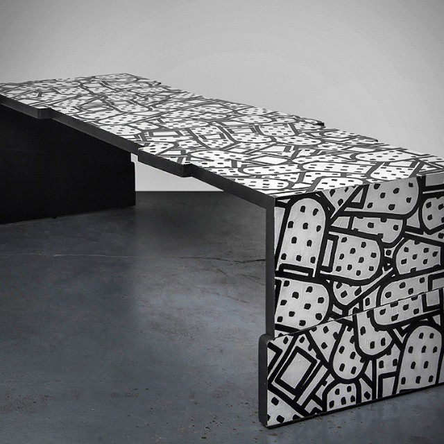 Bandaids bench / photo by Yoav Gurin
