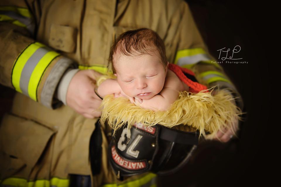baby photographer albany newborn firefighter