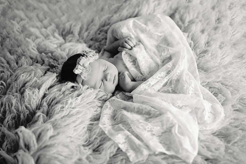 delmar baby photographer pretty girl in lace