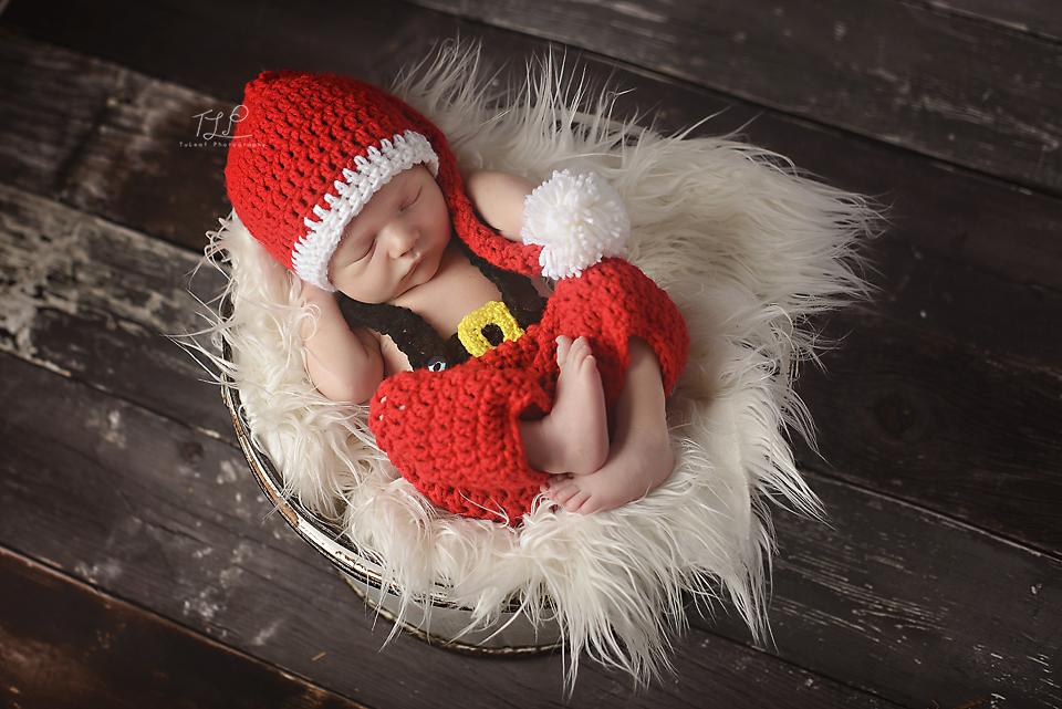 albany newborn photographer santa clause photo