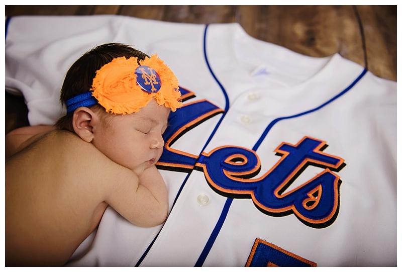 Albany Newborn Baby Photographer mets photo