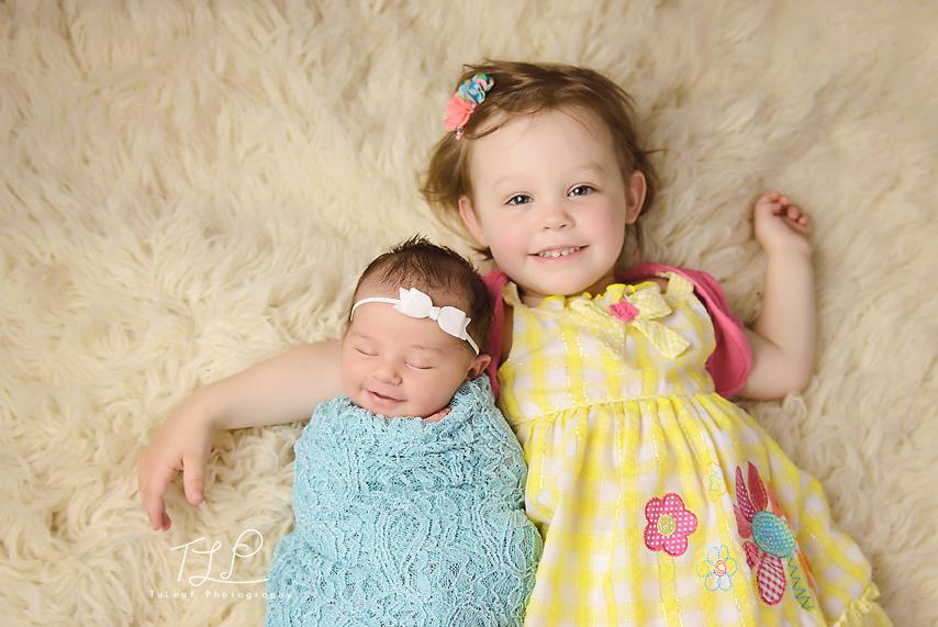 sisters photo albany newborn photographer