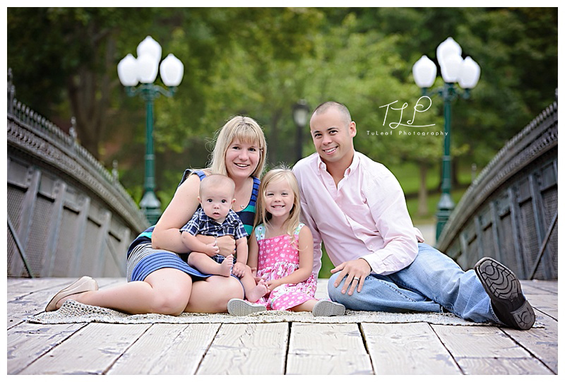 albany family photographer bridge in the park