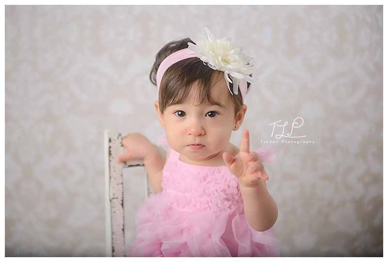 delmar baby photographer one year old girl